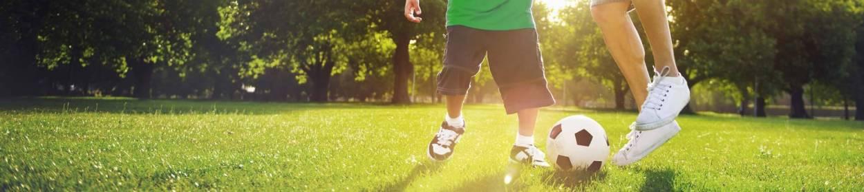 Topheader VfR Nierstein: Rasen, Fussball, Fussballschuhe