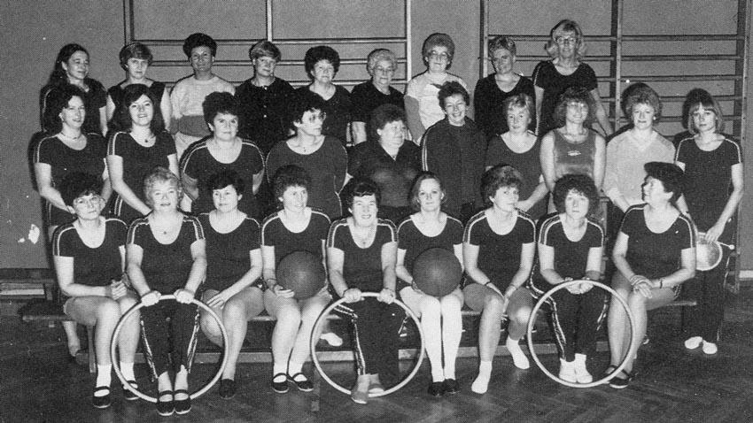 """Zwei zusätzliche Damen-Gymnastik-Gruppen (""""Bleib treu"""" und """"Bleib fit"""") vergrößern das Angebot weiter. Bild2"""
