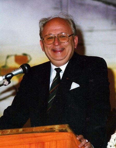 1. Ehrenvorsitzenden des VfR Nierstein: Wolfgang Engel